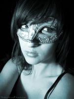 Masque by broken-with-roses