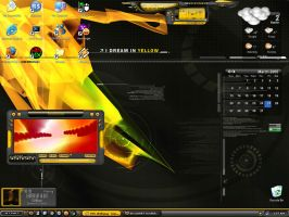 My Desktop 03-25-05 by leechbite