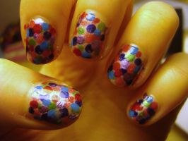 Polka dot nails by luminousleopard