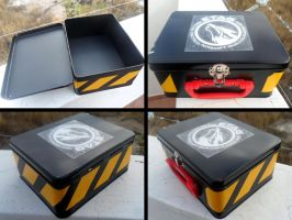 Prop Metal Box by YoLoL