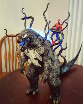 CUSTOM VENOMZILLA FIGURE! by symbiote-x