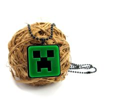 Creeper Necklace by milkool