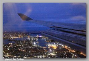 Sydney by night - from plane by bartdebruyn