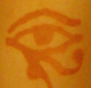 Henna tattoo - eye of horus