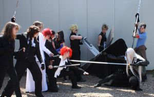 Attacking Sephiroth by abstractroses