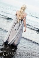 Daenerys Targaryen Game of Thrones Cosplay by Phadme