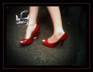 http://th00.deviantart.net/fs16/300W/f/2007/186/c/e/Red_Shoes_by_lil_nasty_angel.jpg