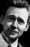Tom Hiddleston by Elluwah