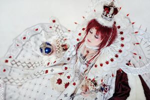Queen Esther - Trinity Blood by adelhaid