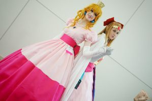Peach and Zelda by Noble-beast-photo