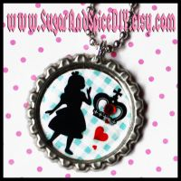 Alice and The Queen Necklace by SugarAndSpiceDIY