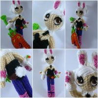 Battle Bunny Riven amigurumi from League of Legend by ForgottenMermaid