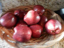 Bowl of red apples by dth1971
