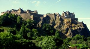 Edinburgh Castle's Hill by gilraenaarefu