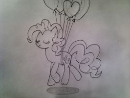 Pinkie and her balloons by Xtli