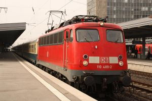 Old lady pulls old coaches by Budeltier