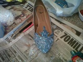 Disney's Frozen - Elsa's Shoes by xanimeXabbiex