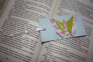 Origami butterfly bookmark by Kusu-dama