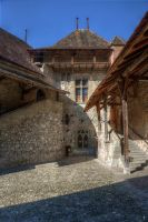Chillon cour HDR by bribesdemoi