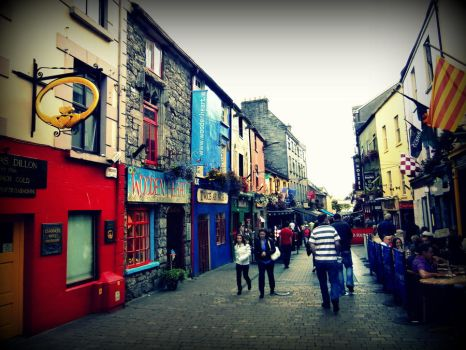 Galway Quay Street by coeurdepapillon