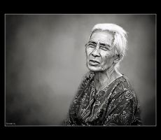 Old Woman by hamry-wabula