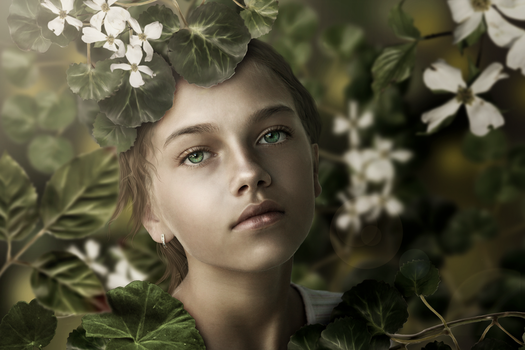 Girl In Green by imagase