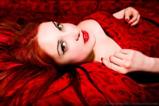 Red Snow White by ScorpionEntity