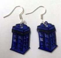 Kawaii TARDIS earrings by Lovelyruthie