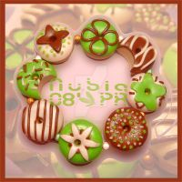 Donuts and beads - bracelet by colourful-blossom