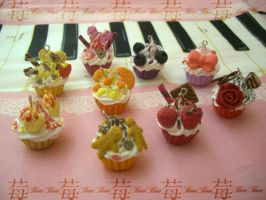 my fancy cupcakes by Fraise-Bonbon