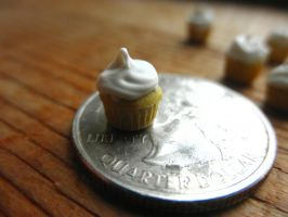 cupcake on a quarter by FatalPotato