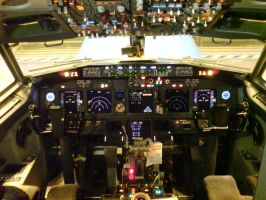 KLM Boeing 737NG cockpit by kaasjager
