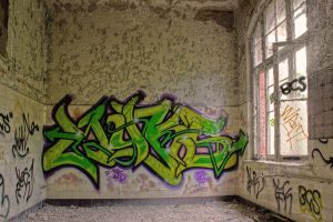13-06 Graffiti by evionn