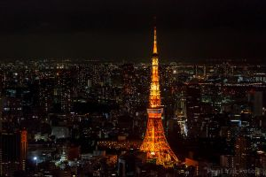Tokyo Tower by Azyiu