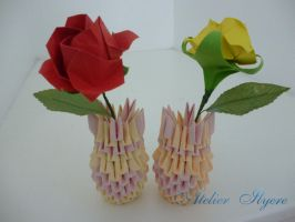Origami rose and vase by Ilyere