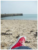 Convers a la plage by SwEeTs-DrEaMsSs