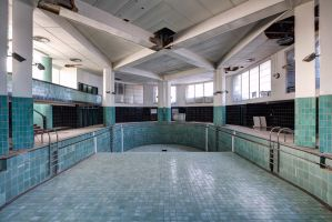 Abandoned Pool by Bestarns