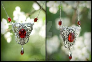Victorian Silver Red Swarovski Necklace Geisha by Johanna-Ferrius