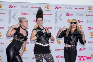 2NE1 Cosplay: We Are The Best by black-shinai