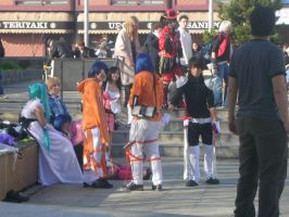 Crowds of Cosplay by narutokunobessed