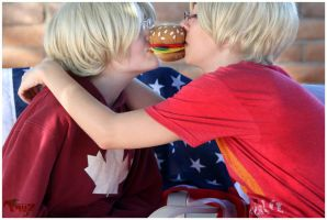 Burger Kiss by TeaRosie