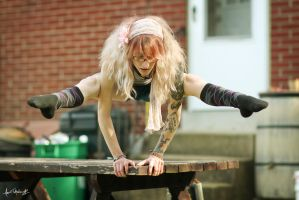 How I Do Push Ups by MandiMalfunction
