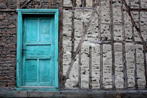 The turquoise door by balaunal