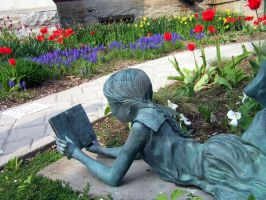 Pretty Garden statue by Artsy50