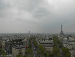 Rainy Day in Paris by MaRyS90