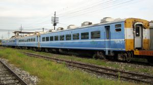Junked JR west carriages by VachalenXEON