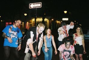 Mass Zombie Attack by zombiesareforlovers