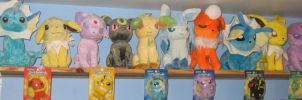 New Eeveelutions Plush Shelf by MizukiiMoon