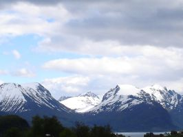Mountains and clouds by Arcuria