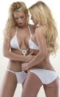 2 Sexy Blonde Girls by c0zo